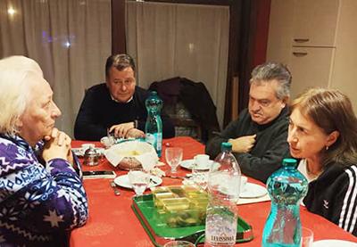 Gianni fra Peppino e Tiziana Pezzella ad Assisi