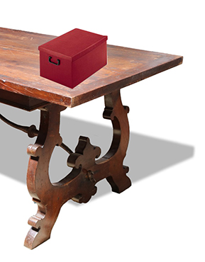 Scatola sul tavolo