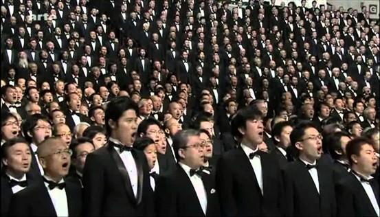 10.000 giapponesi cantano l'Inno alla Gioia https://youtu.be/X6s6YKlTpfw