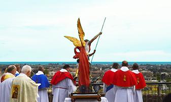 Processione in onore di San Michele