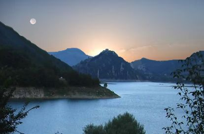Alba sul lago