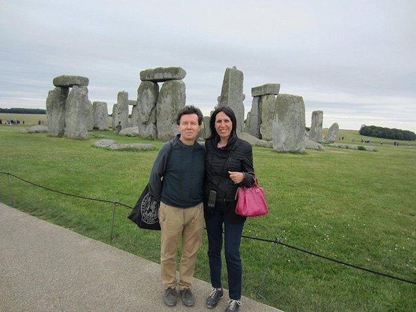 Angelo Fierro e Dora Scialfa a Stonehenge