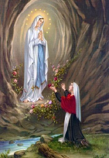 Bernadette Soubirous nella grotta di Massabielle