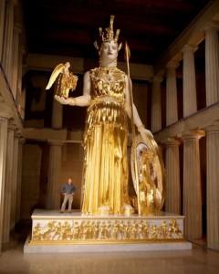 Riproduzione in grandezza naturale della statua di Atena Parthenos (Nashville, USA)