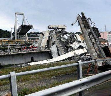 Crollo del ponte a Genova