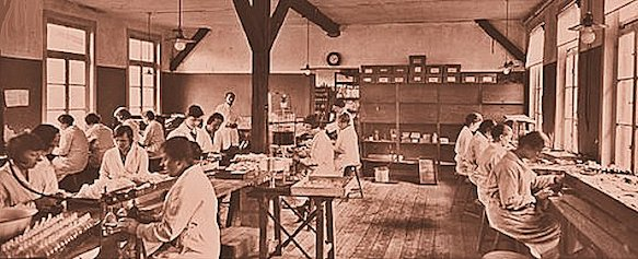 I laboratori Weleda ad Arlesheim nel 1921