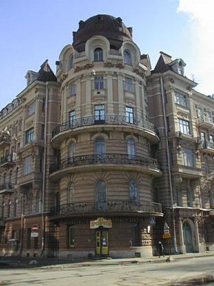 La casa-torre di Pietroburgo