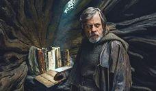 Luke custodisce le antiche scritture nelle viscere di un albero