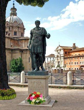 Statua Giulio Cesare ai Fori Imperiali