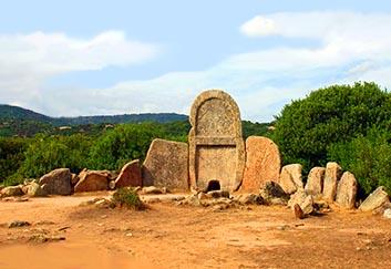 "Tarros, sito iniziatico arcaico ""Tomba dei giganti"""