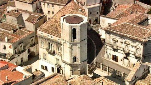 Veduta aerea di Monte Sant'Angelo Particolare della Torre Ottagonale