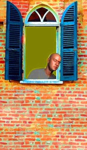 tintarella alla finestra